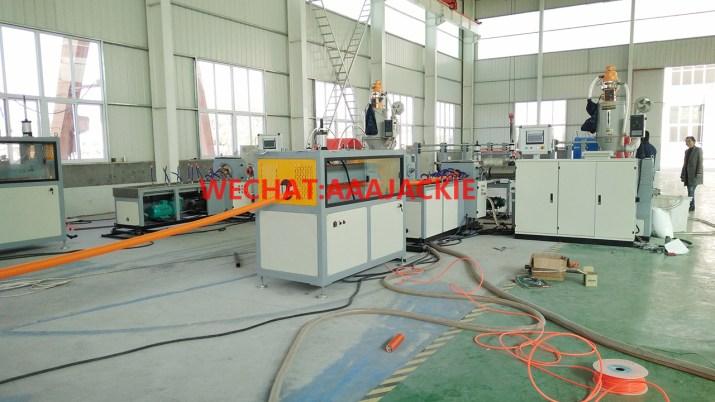 Máy sản xuất ống xoắn  HDPE