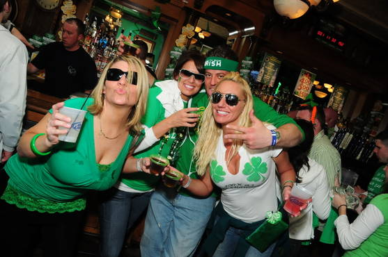 Chicago Apartments, St. Patrick's Day, Lakeview