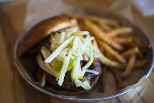 Chicago Apartments, Burger Bar, Belly Up Burger