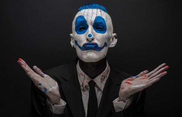 Chicago Apartments, Halloween Costume Contest