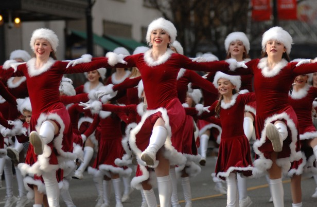 Chicago Apartments, Thanksgiving Events, McDonald's Parade