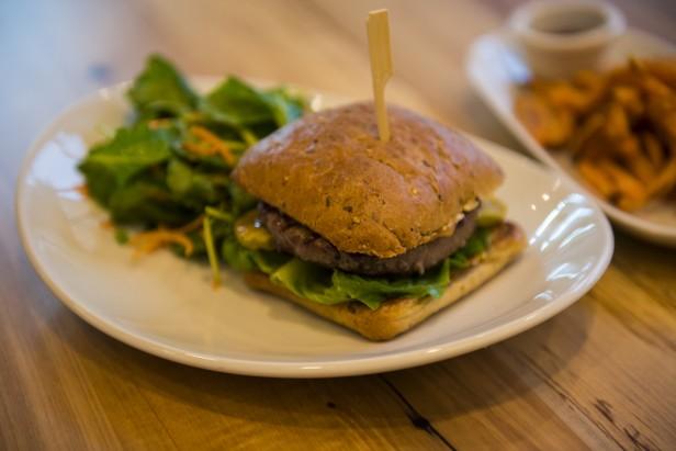 Chicago Apartments, Lyfe Kitchen, Farmhouse Burger