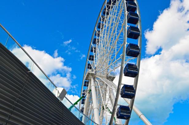 Chicago Apartments, Navy Pier, Ferris Wheel