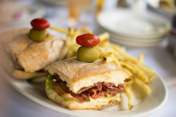 Chicago Apartments, Gibson's Bar and Steakhouse, BLT Sandwich