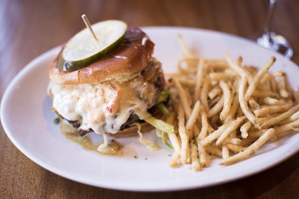 Chicago Apartments, Hutch American Bistro, Great Burger