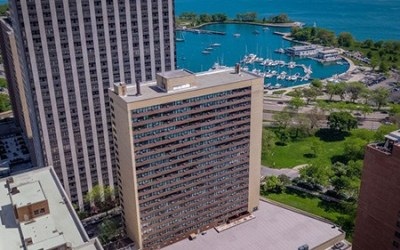 Chicago Apartments, Lakeview, 3130 N Lake Shore Exterior
