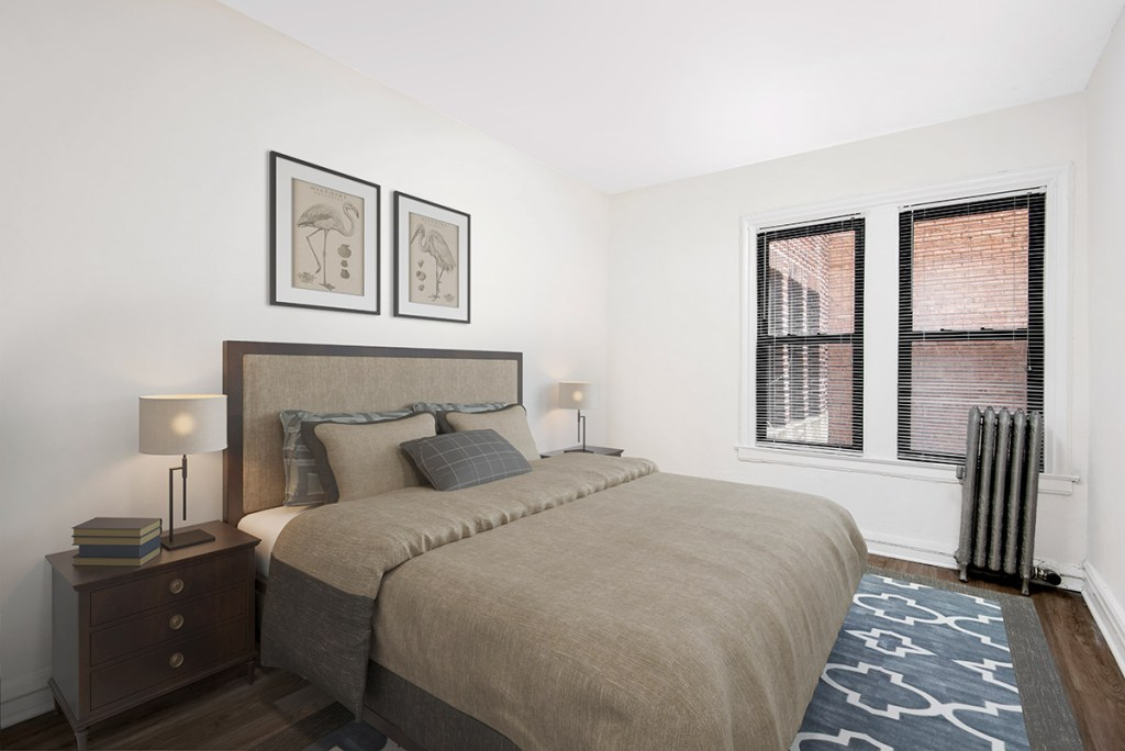 Chicago Apartments, Lakeview, 515 W Briar Bedroom