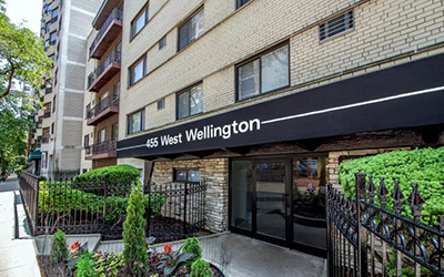 Chicago Apartments, Lakeview, 455 W Wellington Entrance