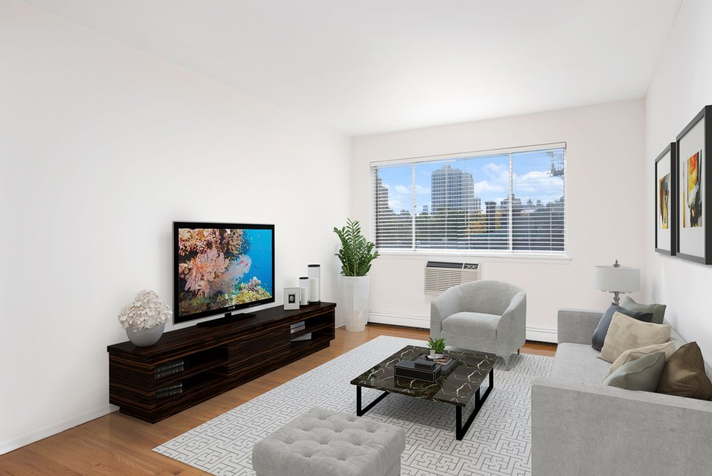 Chicago Apartments, Lakeview, 515 W Barry Living Room