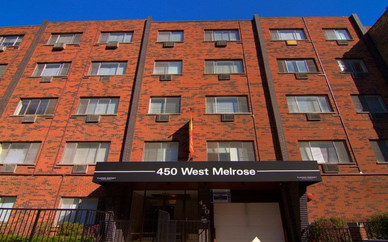 Chicago Apartments, Lakeview, 450 W Melrose Exterior