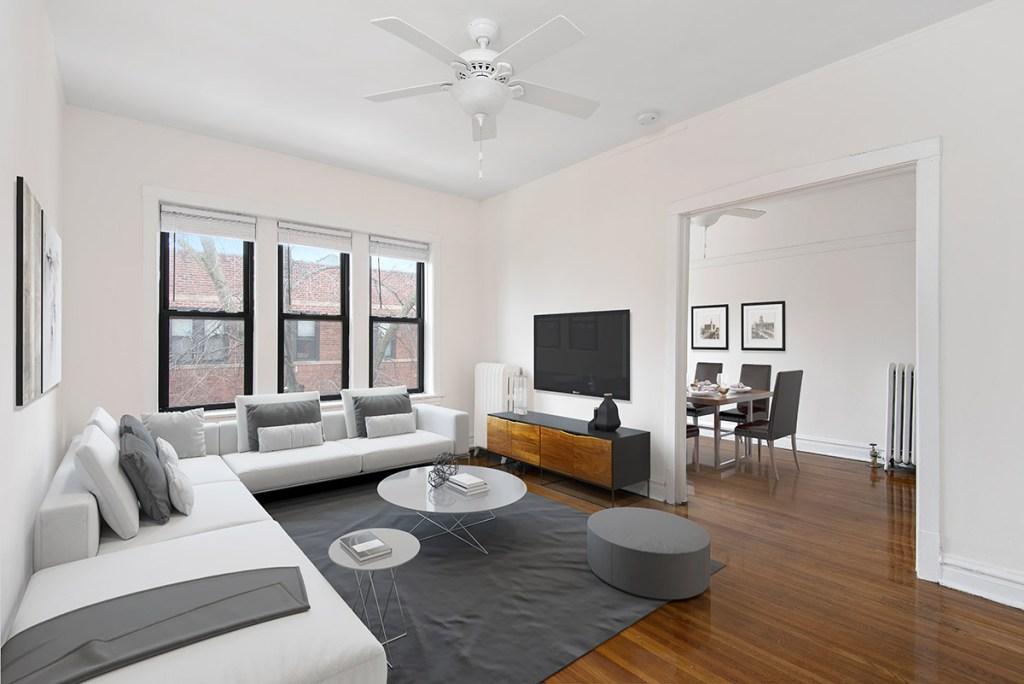Chicago Apartments, Lakeview, 634 W Cornelia Living Room