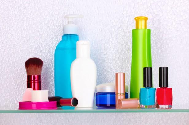 Chicago Apartments, Decluttering, Bathroom Tips