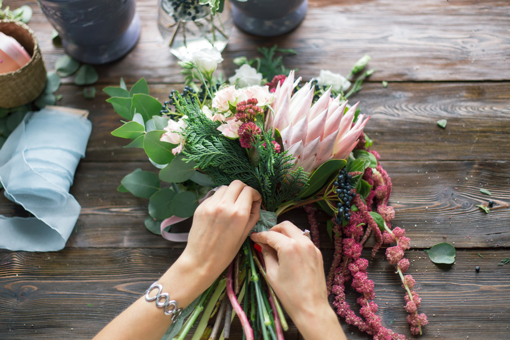 Chicago Apartments, Floral Arrangement Tips