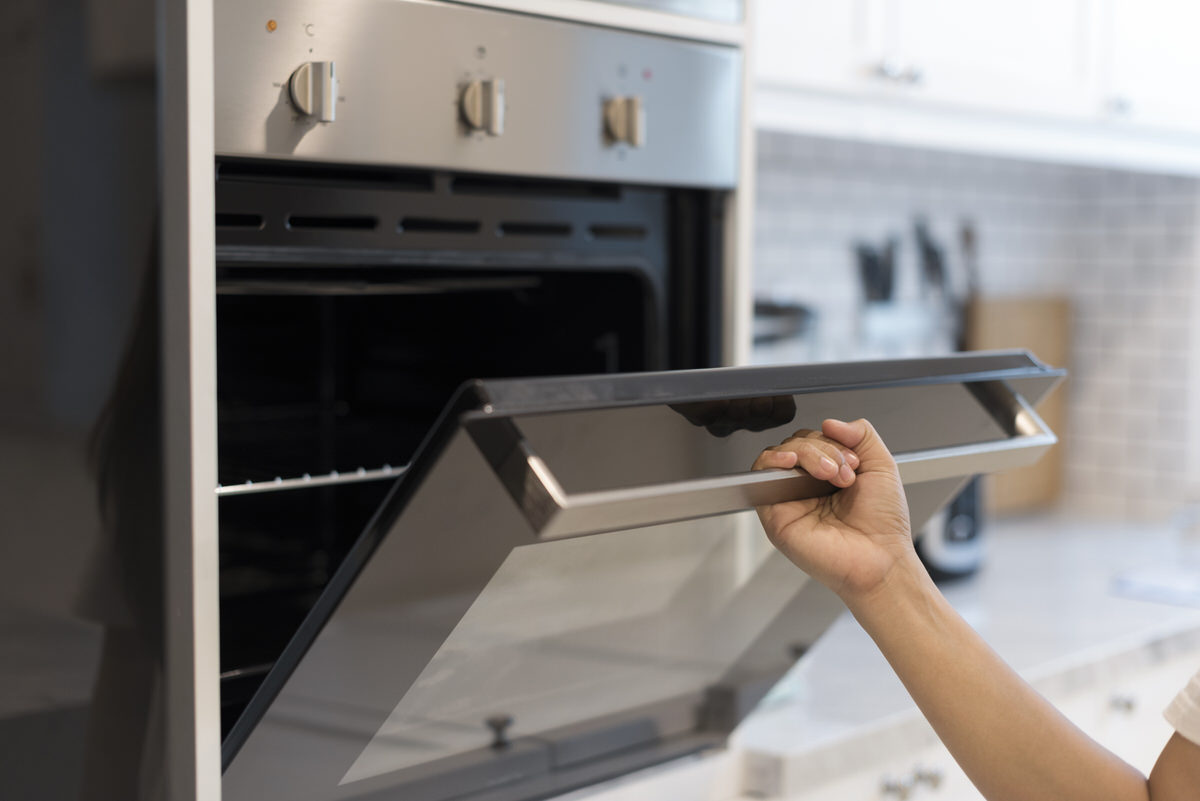 Chicago Apartments, Shaving Cream Cleaning, Oven Cleaning Tips