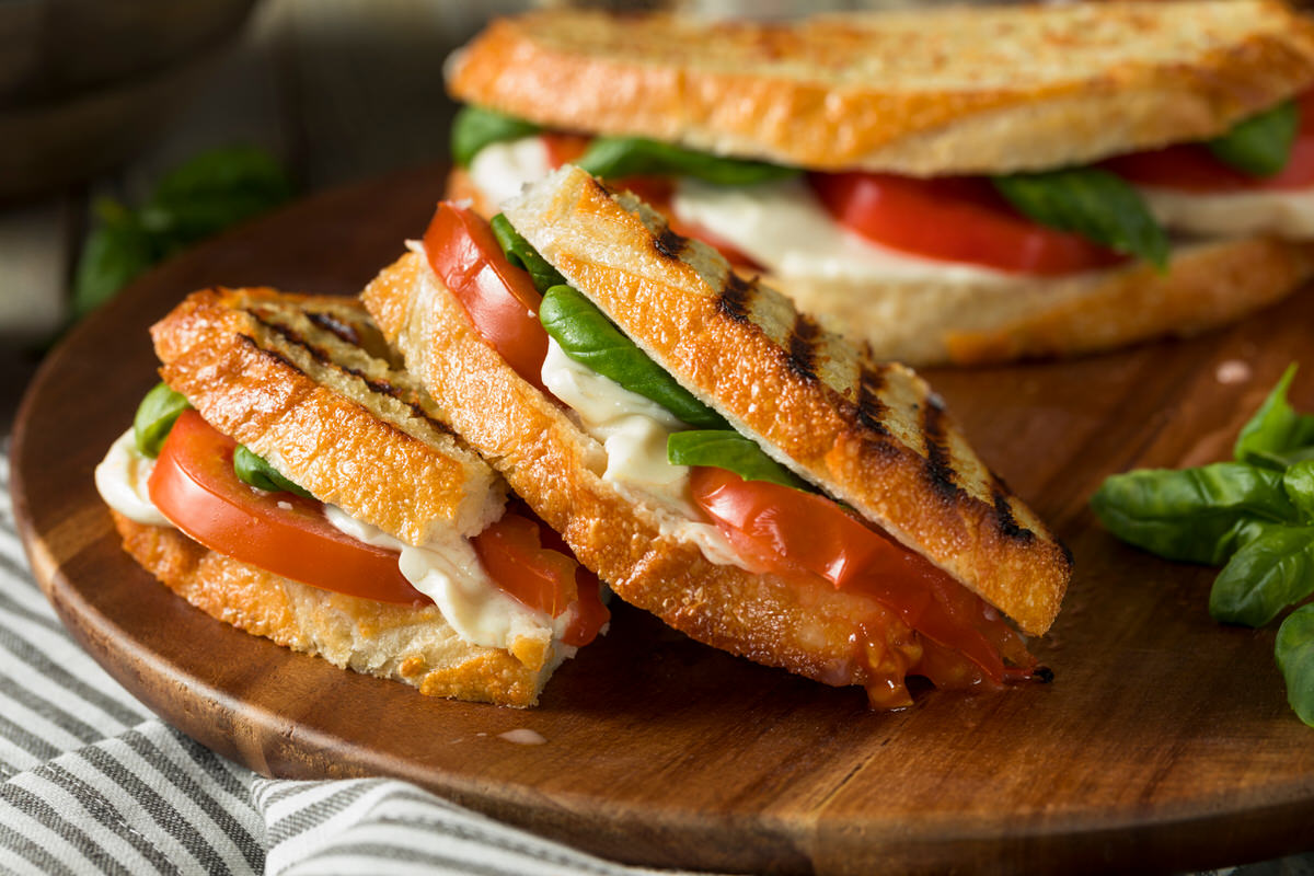 Chicago Apartments, Vegetarian Summer Recipes, Caprese Sandwich Recipe