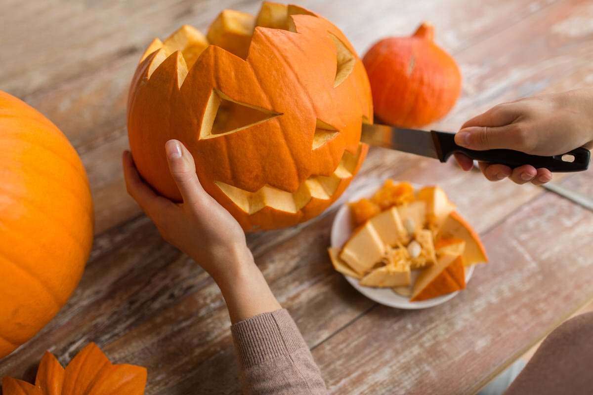 Create The Perfect Pumpkin With These Jack O Lantern Hacks