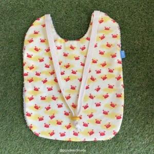 babero grande cangrejos tela algodon artesanal