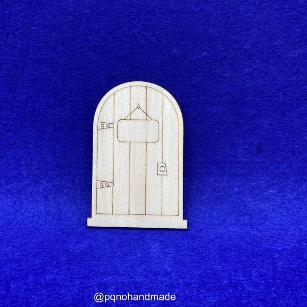 Puerta del ratoncito pérez o hada de los dientes con cartel y borde en la base para pintar manualidades