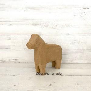 figura caballo papel mache