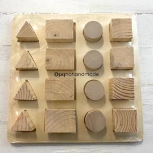 Puzzle grande de madera natural con 16 piezas enteras