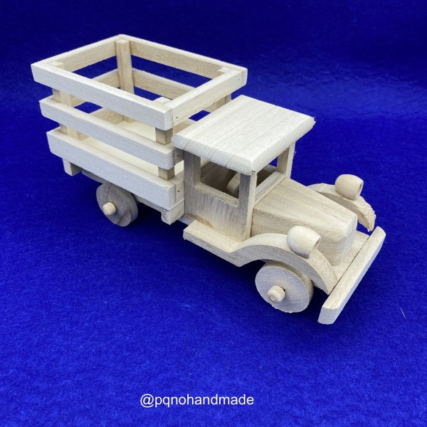 Camión de madera natural para pintar y jugar arriba manualidades