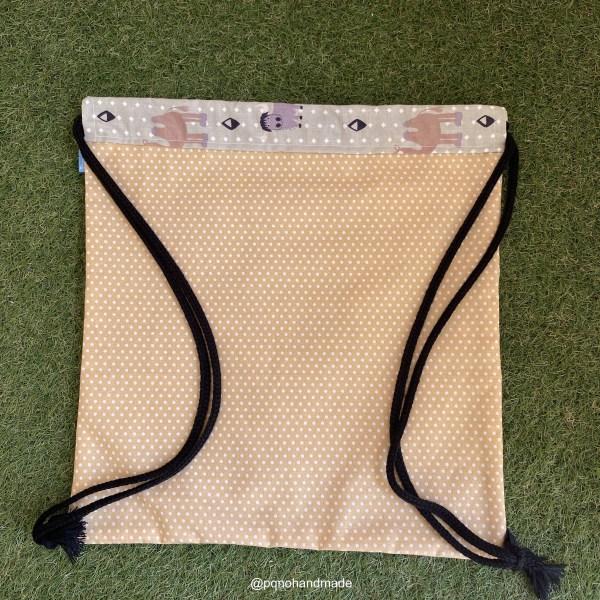 mochila cuerdas elefante camello bufalo tela algodon artesanal detras