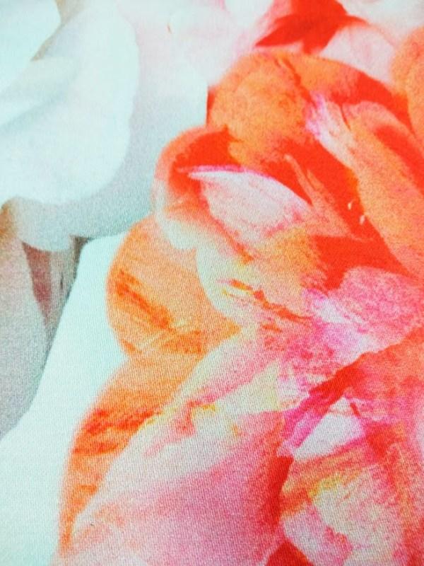 Костюмно-плательная ткань