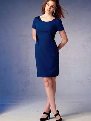 Выкройка Vogue №1370 — Платье прямое со вставками от Kay Unger