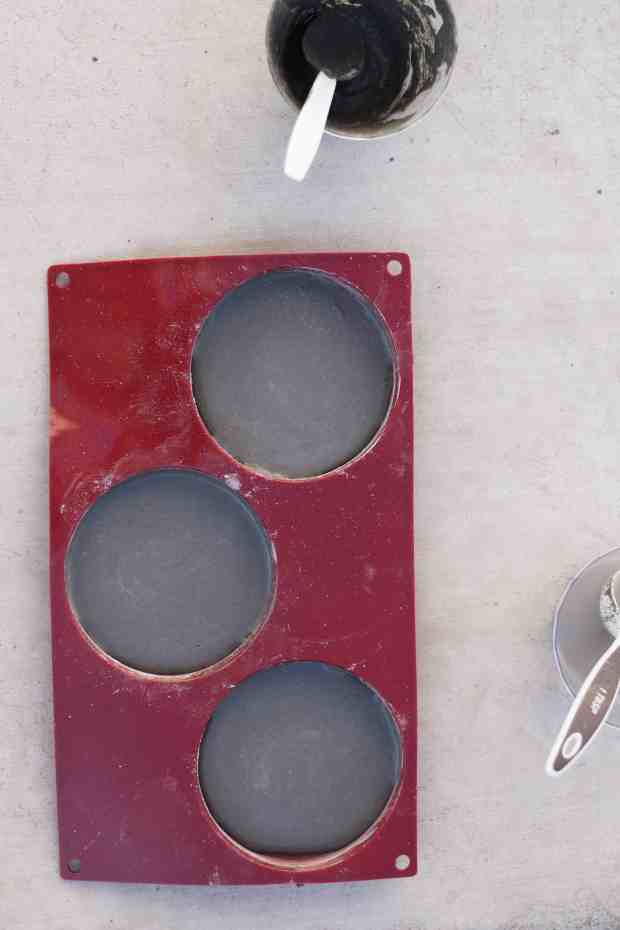 DIY cement coasters and instructions