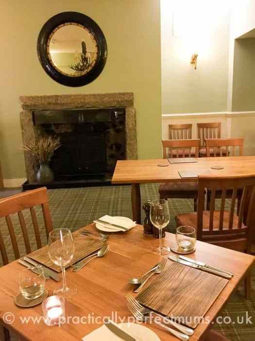 White Hart Hotel, Motetonhampstead. Family friendly restaurants in Dartmoor