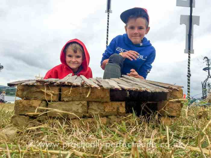 Building a Cob House - Valley Fest Review 2016