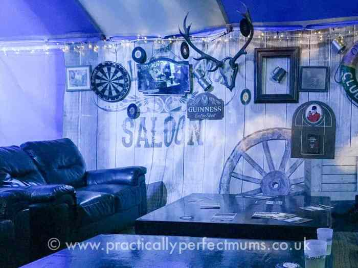 Inside the Ring O' Bells Pub - Valley Fest Review 2016