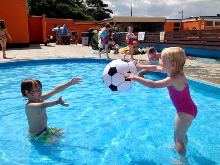 Portishead Outdoor pool toddler pool