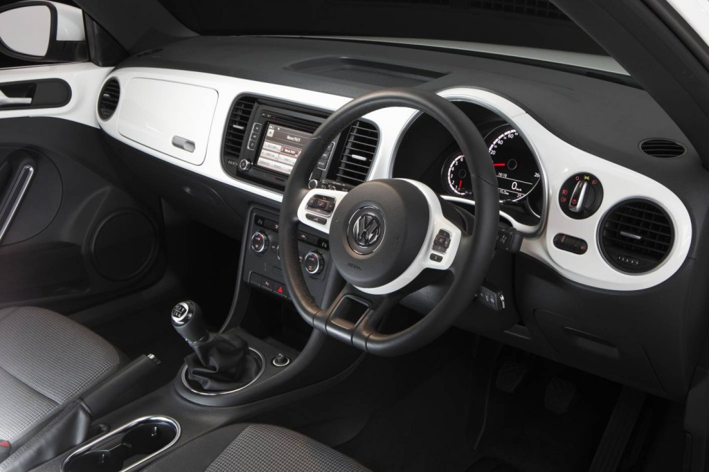 volkswagen beetle 2014 interior. 2014 volkswagen beetle 14 tsi review interior