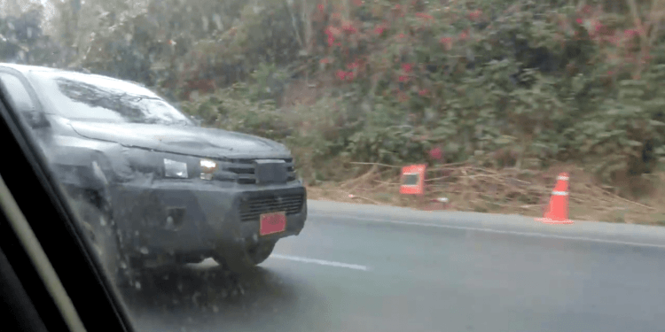 2016 Toyota Hilux spied