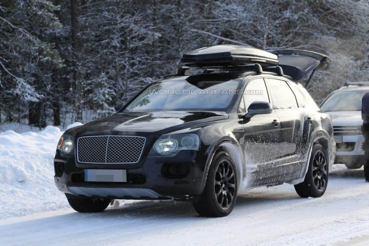 2016 bentley Betayga spied by World Car Fans