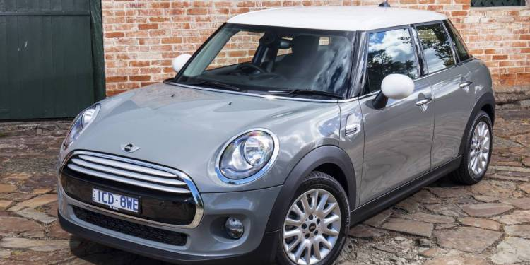 2015 Mini Cooper Five Door Review