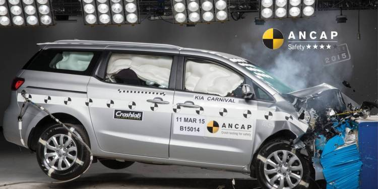 2015 Kia Carnival scores 4 star ANCAP rating