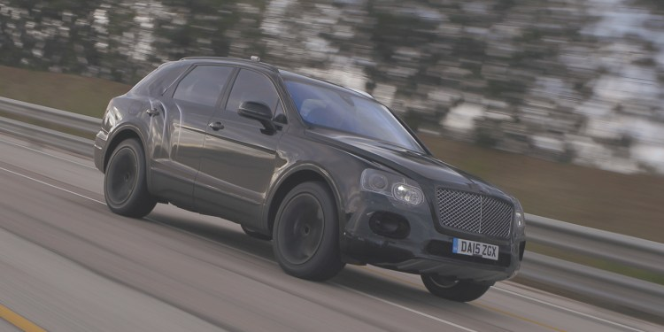 2016 Bentley Bentayga hits 301km/h