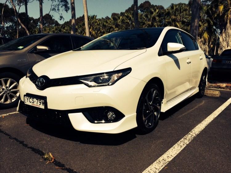 2015 Toyota Corolla ZR review long-term