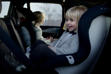new volvo childseat