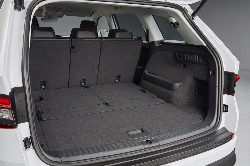 skoda kodiaq interior revealed practical motoring. Black Bedroom Furniture Sets. Home Design Ideas