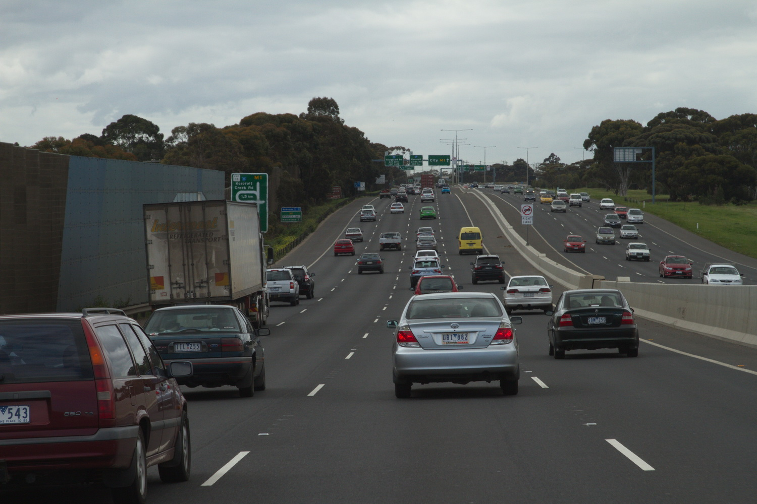Myth-Busting: Does constantly changing lanes get you there faster?