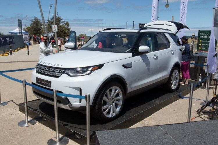 Land Rover Discovery spied in Australia