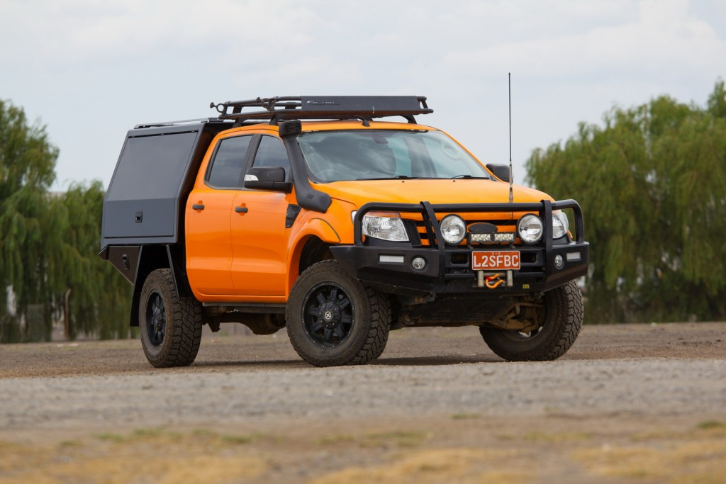 Offroading ute: service body, or tub and canopy?   Practical