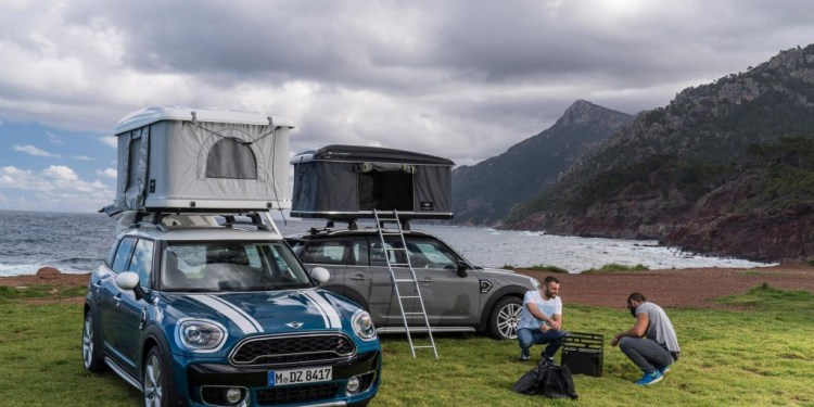 Mini Countryman gets a rooftop tent