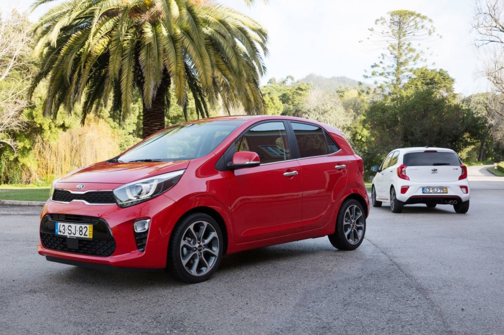 2017 kia picanto arrives in australia now with a manual and much more practical motoring. Black Bedroom Furniture Sets. Home Design Ideas