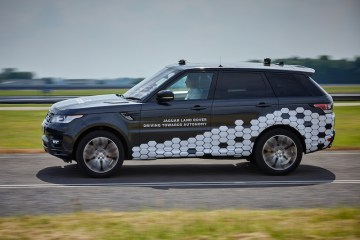 Jaguar Land Rover has demonstrated its Autonomous Urban Drive technology which allows a vehicle to operate autonomously around town, recognising traffic signs and more…