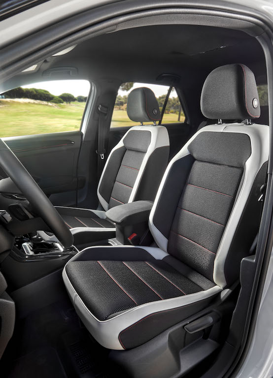 2018 volkswagen t roc review practical motoring. Black Bedroom Furniture Sets. Home Design Ideas