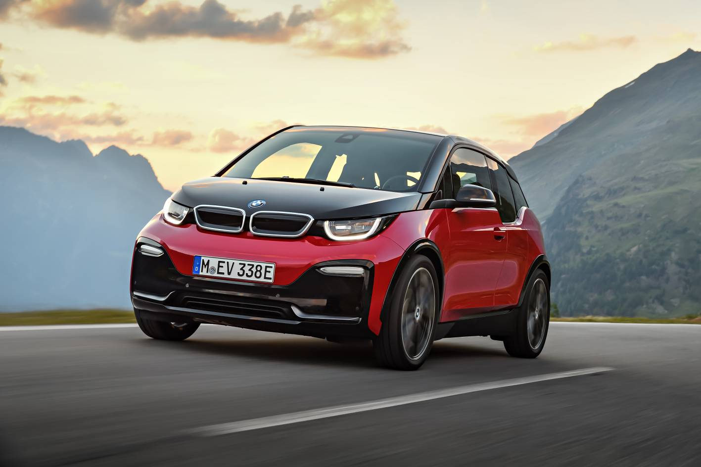 refreshed 2018 bmw i3 and i3s pricing and specifications revealed practical motoring. Black Bedroom Furniture Sets. Home Design Ideas